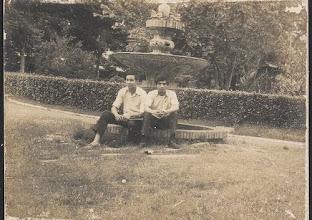 Photo: Từ trái sang: N.P. Hà và Thành Hương