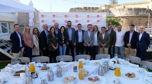 Juan Bravo apuesta por reforzar la competencia del sector agrícola almeriense