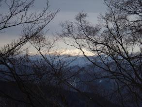 北東に白山が見え