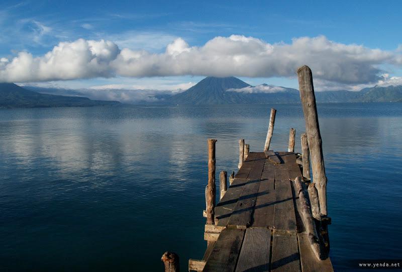 Photo: Atitlan (Guatemala 2006)
