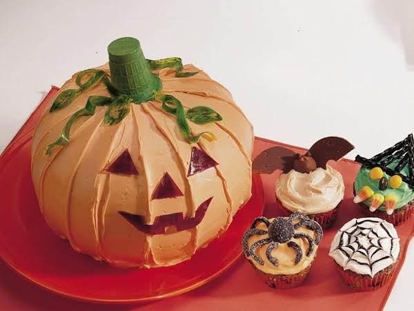 Jack-o'-lantern Cake Recipe