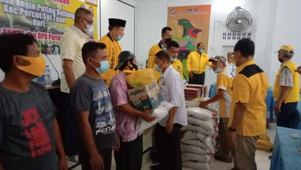 Ketua DPD Partai Golkar Berikan Bantuan Kepada korban Angin Puting Beliung