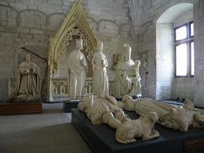 Photo: 2. den - Socha Karla IV. nás potěšila (Palais des Papes, Avignon)