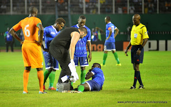 Photo: Alhassan 'Crespo' Kamara injured (subsequently requiring 2 stitches) [Leone Stars v Ivory Coast, 6 September 2014 (Pic © Darren McKinstry / www.johnnymckinstry.com)]