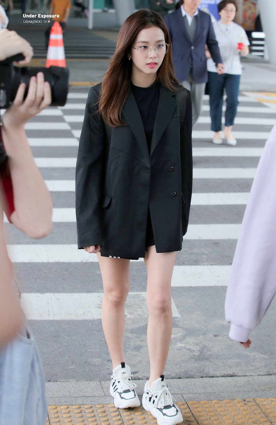 bp jisoo airport2