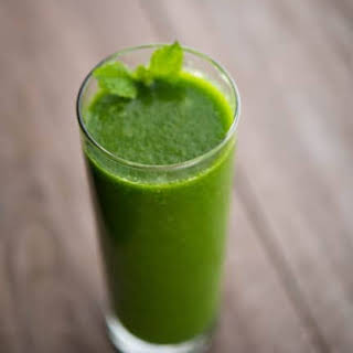 Spinach, Pear & Mint Smoothie.
