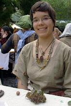Photo: Siria Goldstein, Alchemistin aus dem dorlónischen Walsicht.