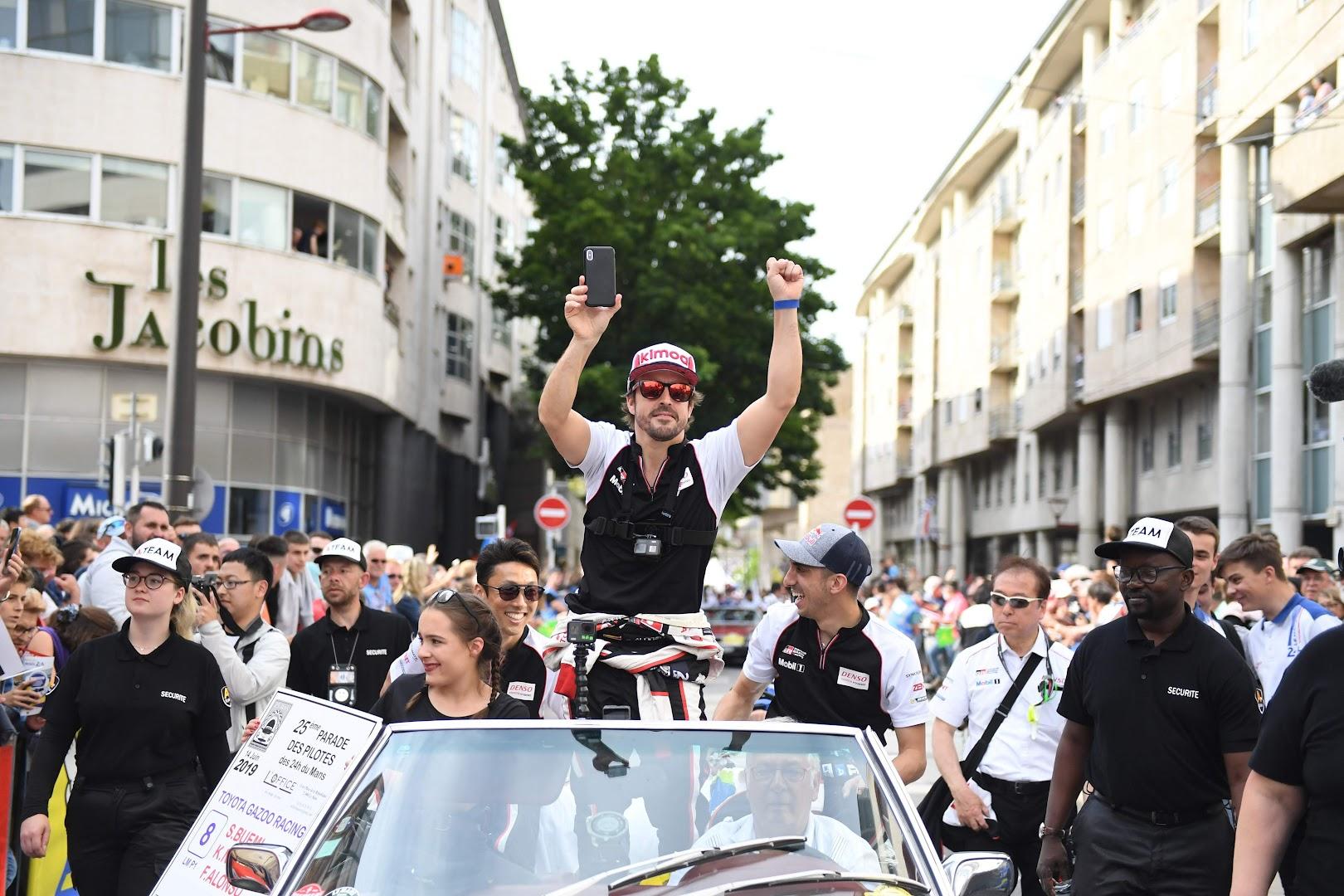 ル・マン24時間ドライバーパレード8号車