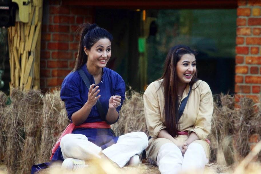 Hina Khan with Shilpa Shinde in Bigg Boss 11