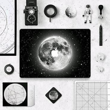 INFINITE CREATOR - OriginalBrandDesign ~~ Minimalist|Moon #macbooksticker #macbook #moon #moonsticker