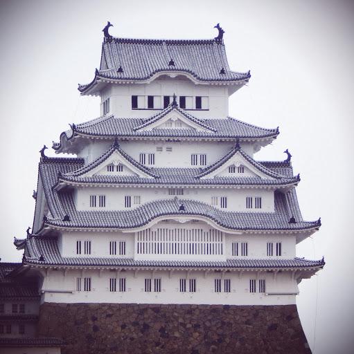 Zoom toure principale du chateau de himeji
