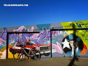 Photo: Street Art à Meudon, idéal pour faire des photos stylées - e-guide balade à vélo de Versailles à Meudon par veloiledefrance.com
