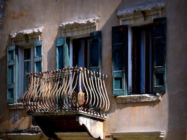 Il balcone  finestre di DigitalGal