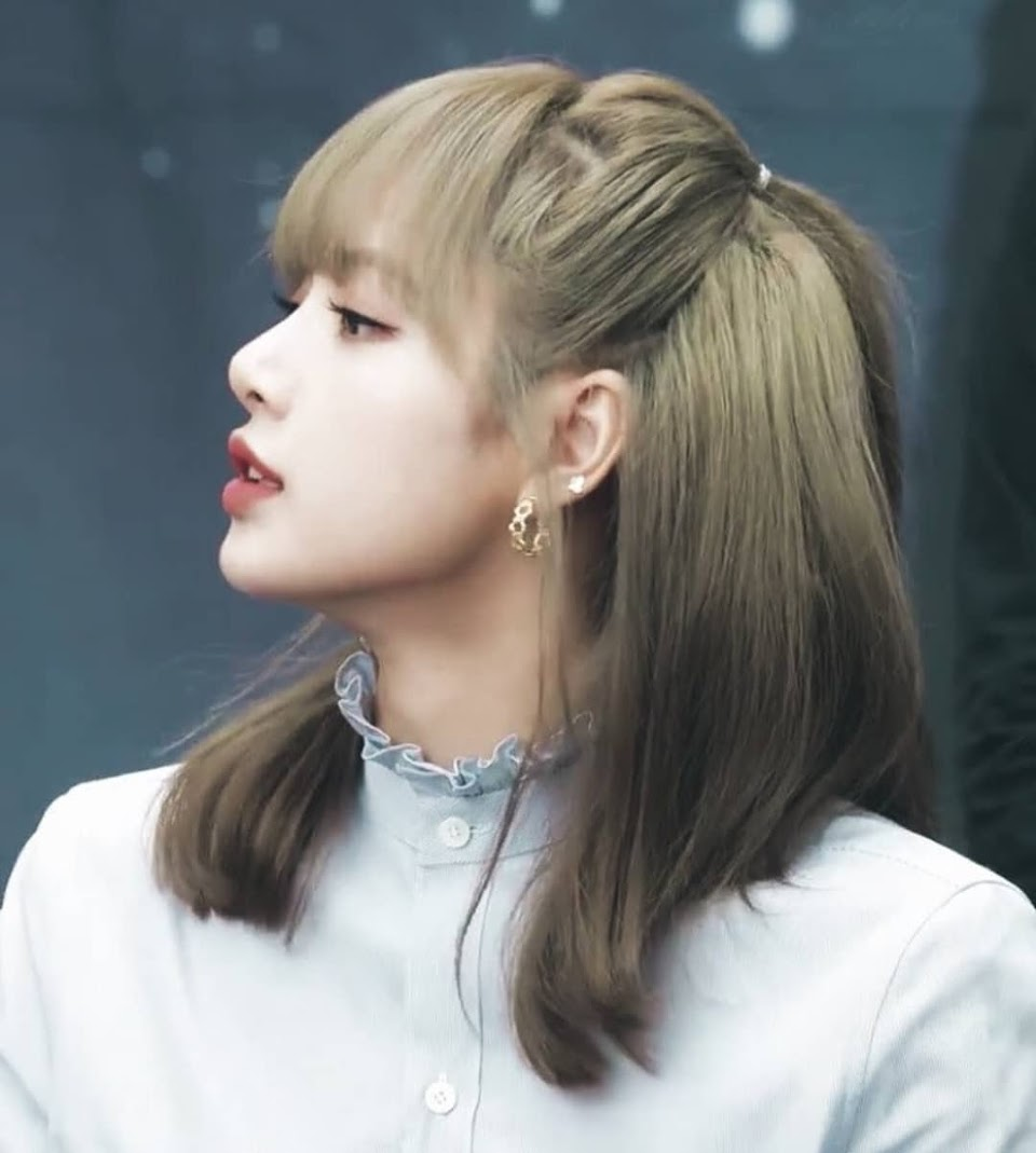 lisa profile 30