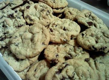 Gluten Free Thick soft and chewy chocolate chip cookies