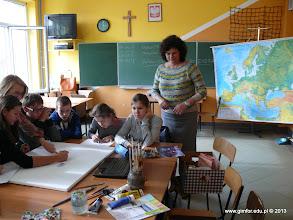"""Photo: Warsztaty malarskie """"Anioły"""" - prowadzący: Aneta Kretkiewicz. Opiekun: Anna Duda. [22.10.2013]"""