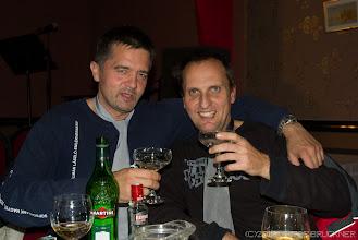Photo: A nevünk Bond... James Bond! Vodka-martinit iszunk! Keverve, nem rázva!!!