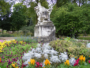 Photo: Here, in a corner of the park, is this statue of Ernest Meissonier (1815[-1891), a French Classicist painter and sculptor famous for his depictions of Napoleon, his armies and military themes. He enjoyed great success in his lifetime, and was acclaimed both for his mastery of fine detail and careful craftsmanship.