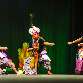 Diwali Tug of War by Graeme Carlisle - People Musicians & Entertainers ( diwali, performers, dancers, indian, festival )