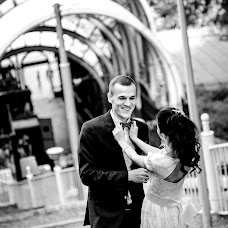 Wedding photographer Dmitriy Yurash (luxphotocomua). Photo of 18.12.2017