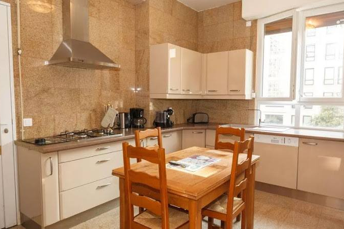 Fully equipped kitchen at Rue de Monceau Serviced Apartment, Champs Elysees