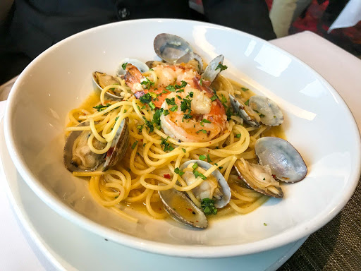 pasta-entree-canaletto.jpg - Pasta with clams and shrimp served at Canaletto on the Holland America ship Oosterdam.