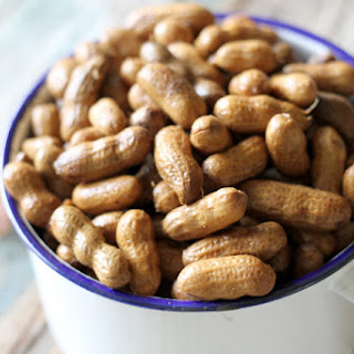Slow Cooker Boiled Peanuts
