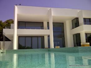 Photo: Perspectiva desde la piscina.