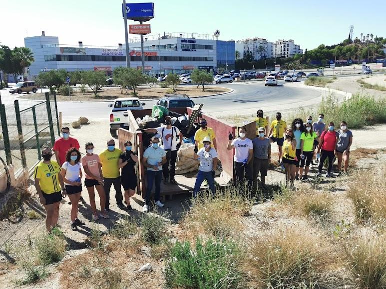 El Club de Atletismo del Sur Este y la Asociación Salvemos el Salar de los Canos han organizado la jornada.