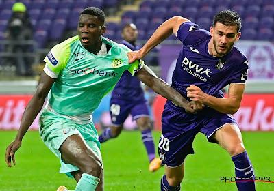 """Sterkhouder Anderlecht wil ook volgend seizoen in paars en wit spelen: """"Ik zou zeker langer willen blijven"""""""