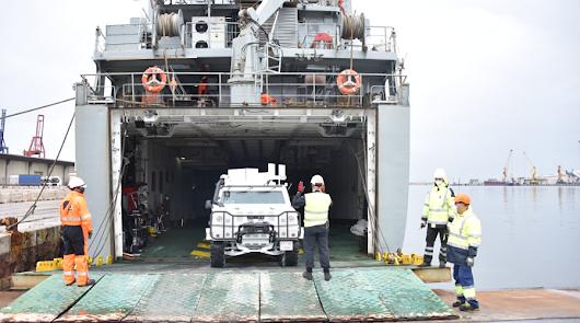 El buque militar Martín Posadillo atraca el sábado en Almería