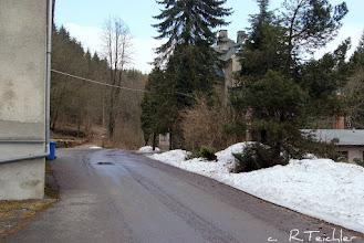 Photo: Hammermühle Neunzehnhain bei Wünschendorf im Erzgebirge Sachsen  März 2011 / Blick etwa wie im vorherigen Bild / Vorn in der Mitte ist noch der ehemalige Schulweg nach Börnichen zu erkennen  Foto: Reiner Teichler