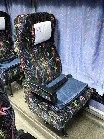 阪急バス「よさこい号」 05-2889 シート
