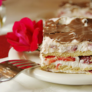 No-Bake Strawberry Ice Box Cake Recipe