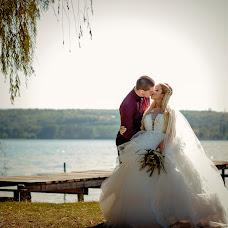 Wedding photographer Miroslava Velikova (studioMirela). Photo of 10.12.2017
