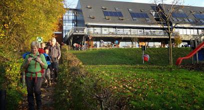 Photo: Het vertrek aan de Voerense jeugdherberg zondagochtend.