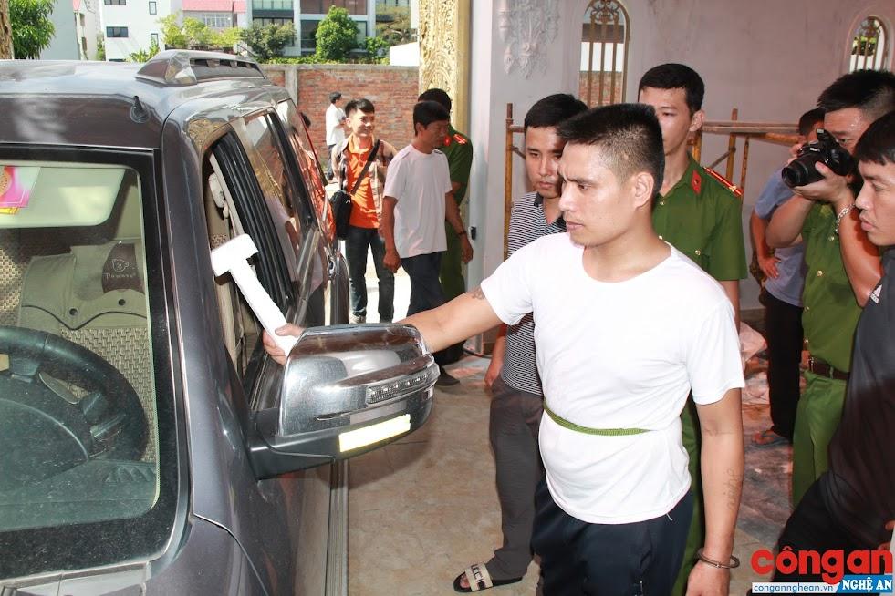 Nhóm đối tượng thực hiện vụ đập kính tại một nhà dân phường Quán Bàu, TP Vinh