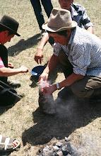 Photo: 03251 ブルド/バスハダール家/タルバガン(野獣)料理/肉を毛皮につめて焼く