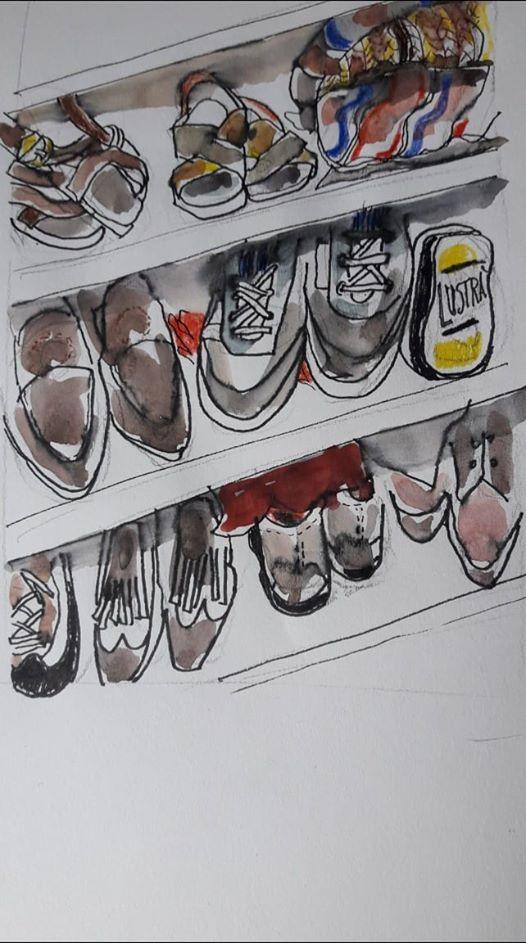 L'immagine può contenere: scarpe