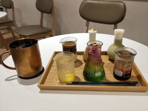 Raven coffee,適合工作閱讀的咖啡館,咖啡有特色,點心美味,福星公園旁綠意盎然的所在