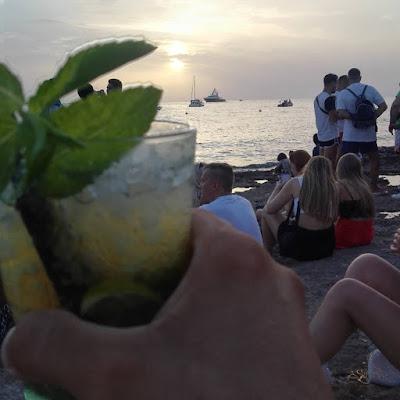 festa in spiaggia  di g.de.f