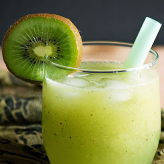 Fresh Kiwi Juice-knock down the heat.