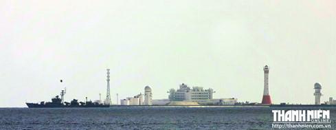 'Thành phố nổi' trái phép của Trung Quốc trên bãi Gạc Ma - ảnh 1