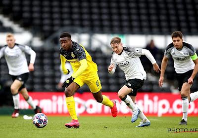 Le prodige du Borussia Dortmund cible d'insultes racistes lors du Derby de la Ruhr en U19