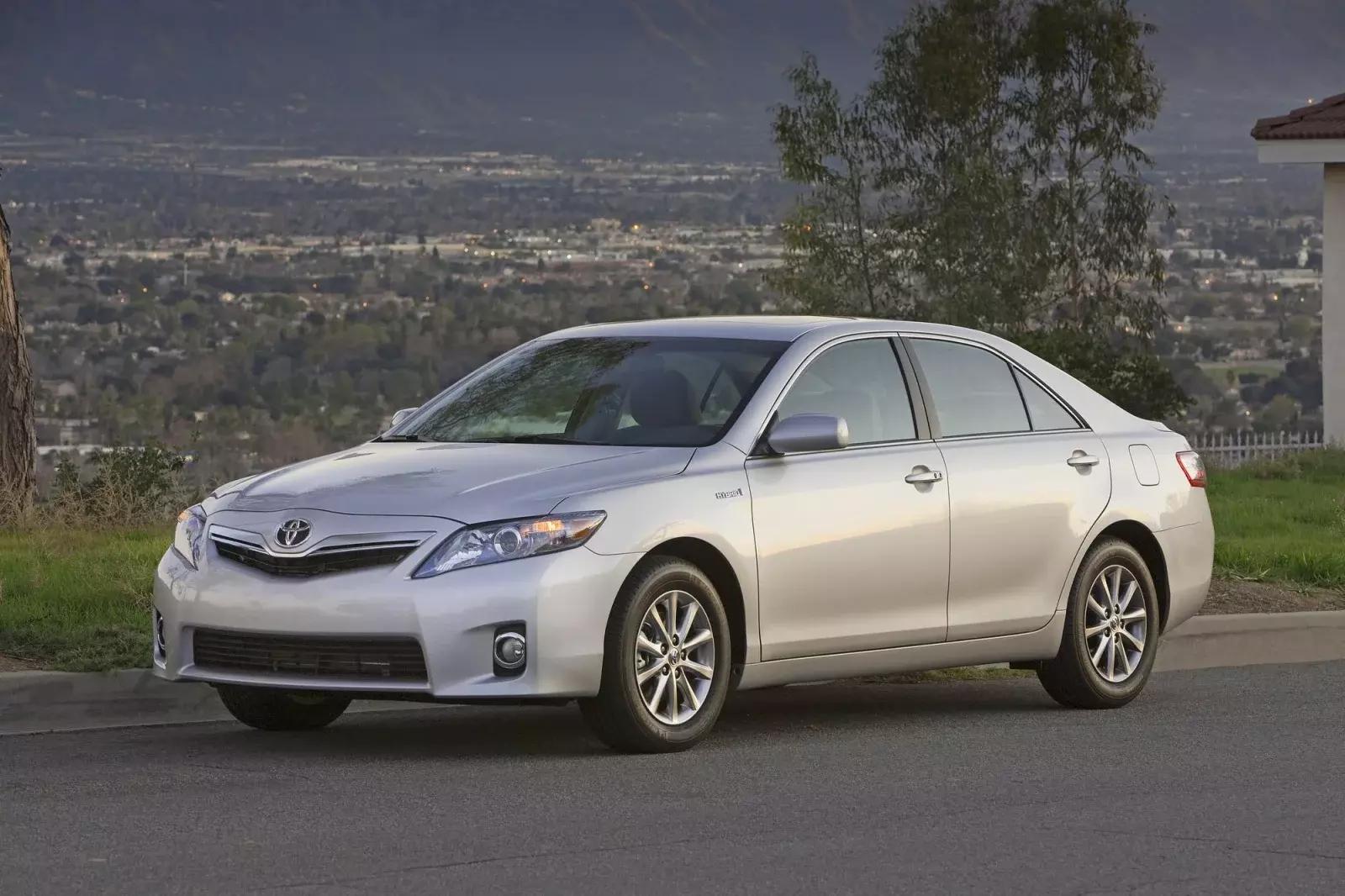 mașini din ultimii 10 ani Toyota Camry