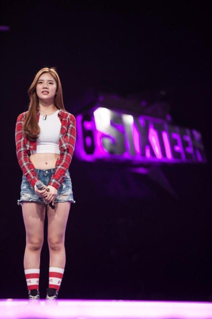 Eunseo-Sixteen