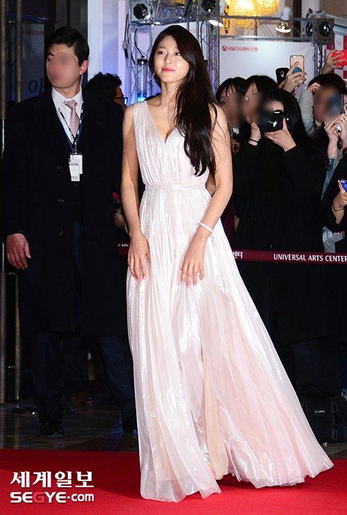 seol gown 18