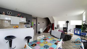 maison à Saint-Clair-de-la-Tour (38)