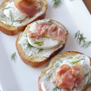 Prosciutto and Mozzarella Bruschetta Recipe