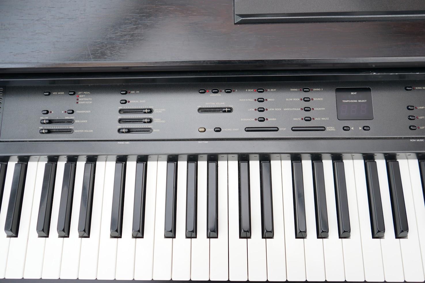 Yamaha clavinova digital full size baby grand piano 88 key for Yamaha full size keyboard with 88 keys